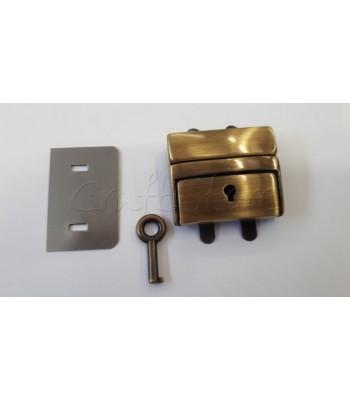 Μεταλλικό Κούμπωμα Τσάντας Κλειδαριά 4x5εκ. Μπρονζέ